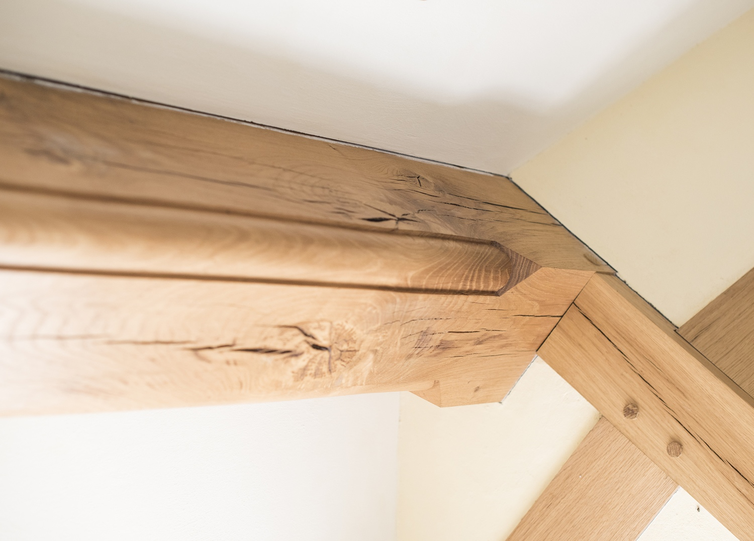 Solid Oak Beam Mould