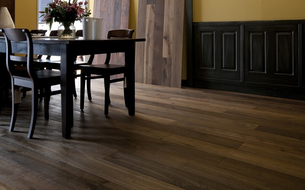 Oak Flooring in a Dining Room