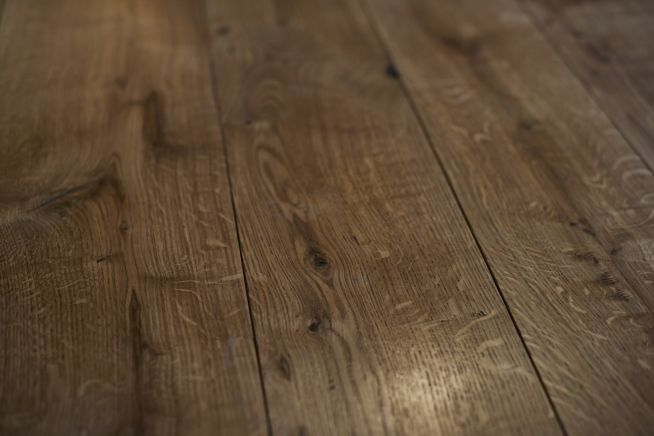 classic-grade-engineered-oak-flooring-close-up