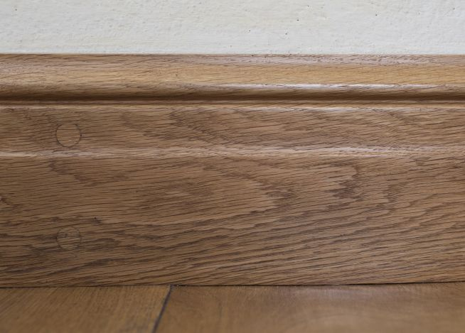 Belgian solid oak skirting peak oak for Hardwood skirting