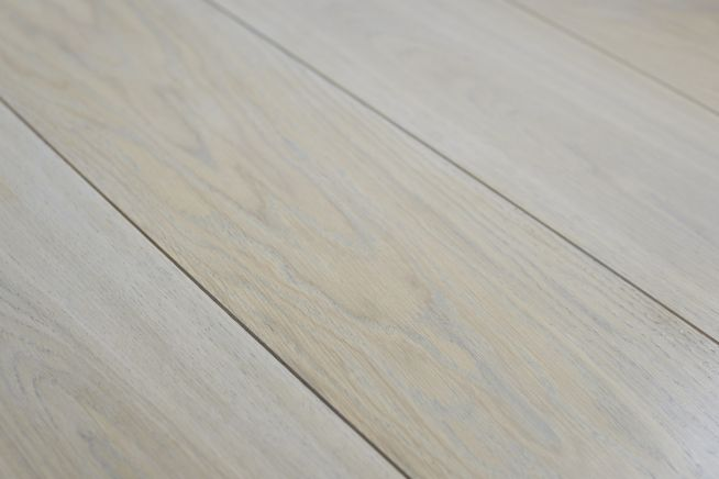 prime-grade-solid-oak-flooring-close-up