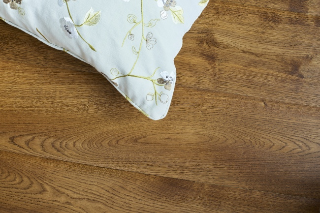 Dark Oak Engineered Oak Flooring Cushion
