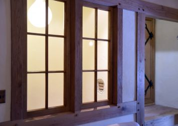 Oak Window Image