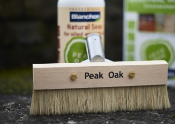 peak-oak-floor-brush