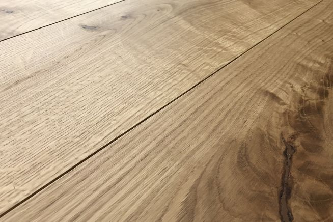 prefinished-rustic-grade-16mm-engineered-oak-flooring-close-up