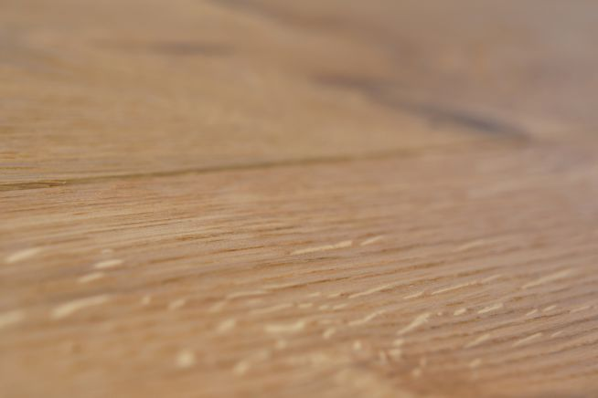 rustic-brushed-and-oiled-close-up
