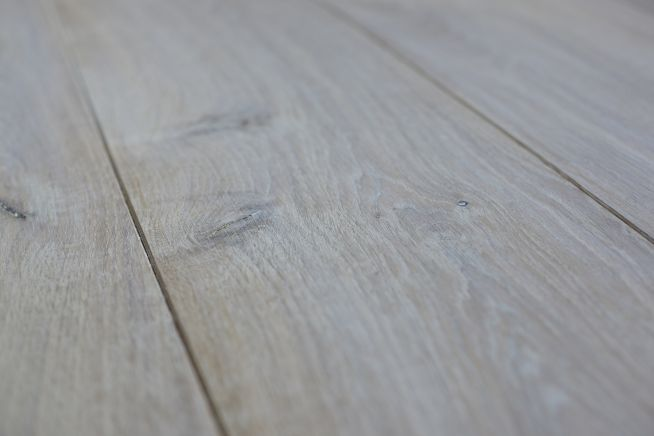 character-grade-15mm-engineered-oak-flooring-close-up