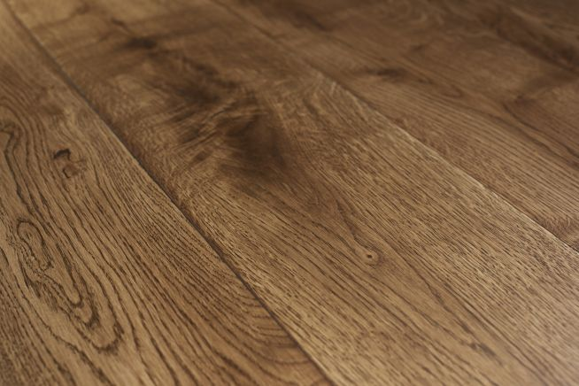 rustic-grade-16mm-engineered-oak-flooring-close-up