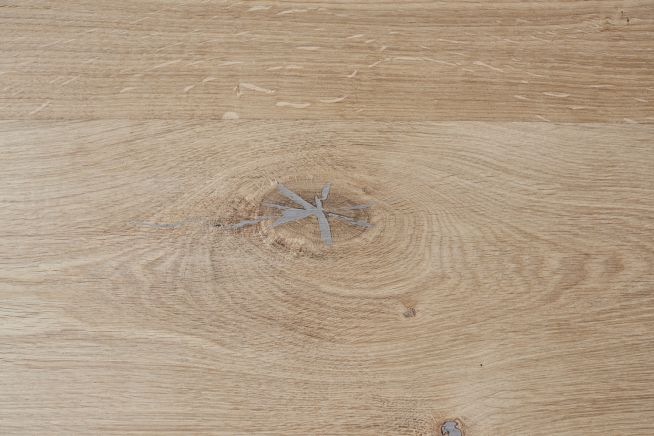 unfinished-rustic-grade-square-edge-engineered-oak-flooring-knot-edge