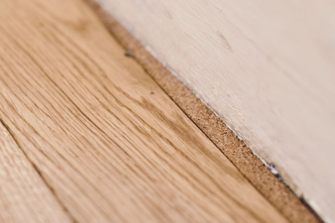 cork-expansion-strips-oak-flooring
