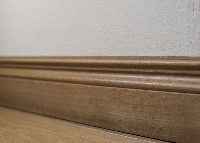 derbyshiresolidoakskirting2