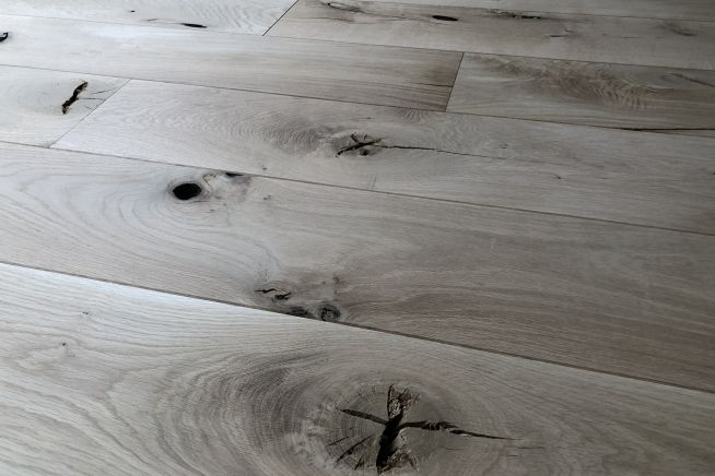 barn-grade-solid-oak-flooring-angled-boards