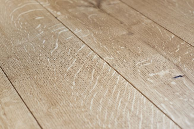 classic-grade-solid-oak-flooring-close-up