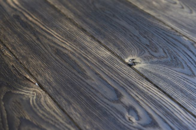 heavy-distressed-oak-flooring-close-up