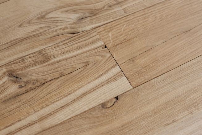 mansion-grade-14mm-solid-oak-flooring-angled