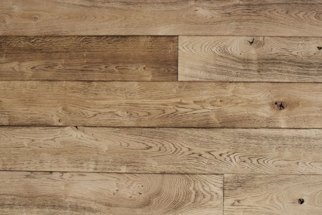 medium-distressed-oak-flooring-boards