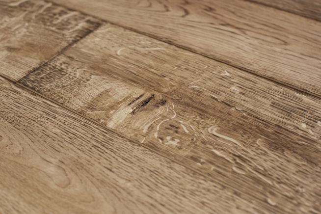 medium-distressed-oak-flooring-close-up