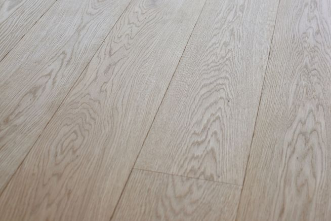 unfinished-prime-grade-oak-flooring-close-up